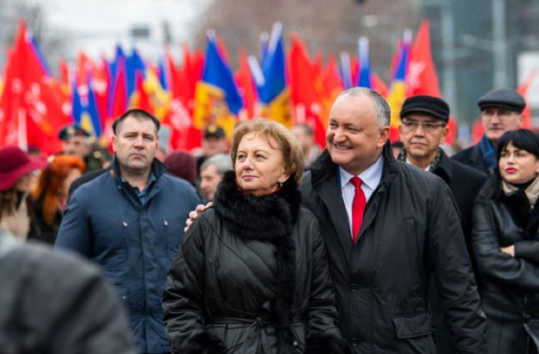 Dodon și Greceanîi felicită angajații din sfera protecției sociale