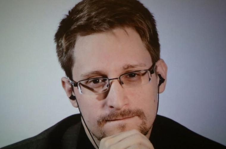 Edward Snowden cere azil politic în Franța
