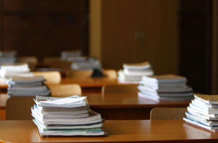 Elevii din învățămîntul general obligatoriu, vor primi gratuit manuale