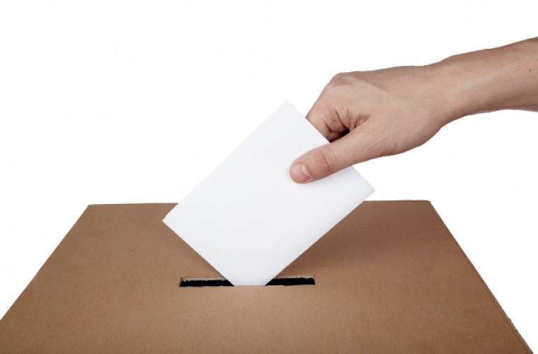 Italia ar putea coborî vîrsta minimă de vot la 16 ani