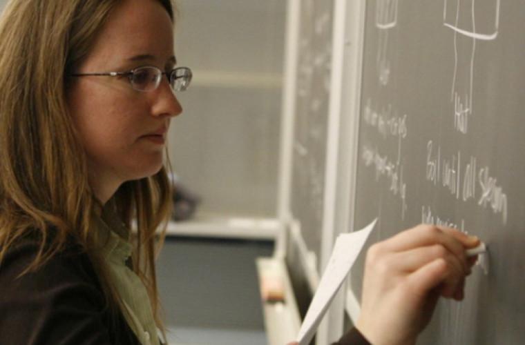 Promovarea imaginii pedagogului poate influența pozitiv sistemul educațional - opinie