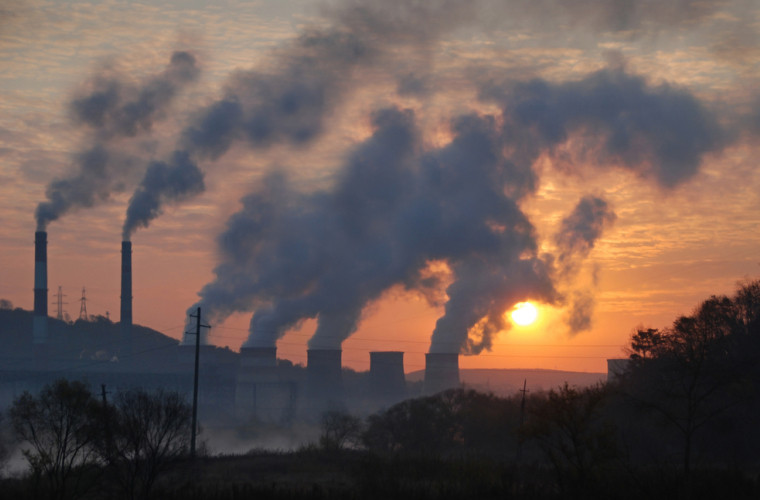 oamenii-produc-de-100-de-ori-mai-mult-dioxid-de-carbon-fata-de-vulcani
