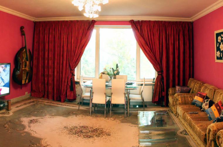 Apartament în bloc în care locuia conducerea țării, vîndut cu 325.000 de euro