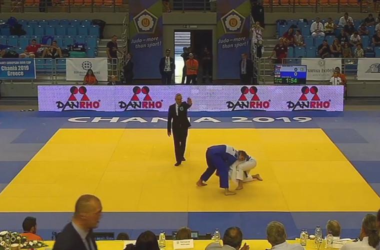 O luptătoare de judo de 15 ani duce faima Moldovei în întreaga lume