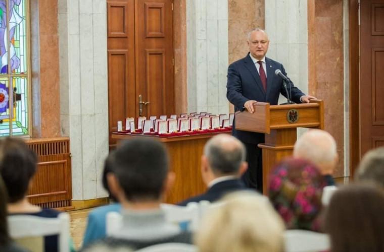 Cine s-a învrednicit de distincţii de stat din partea lui Igor Dodon