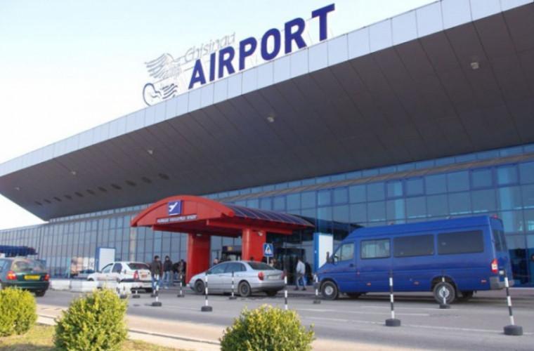 Cîțiva polițiști de frontieră de la Aeroportul Chișinău, cercetați penal