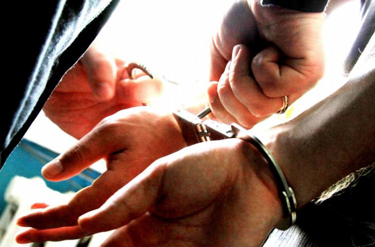 Poliţiştii cernăuțeni au confiscat droguri în valoare de 7 milioane grivne (FOTO)