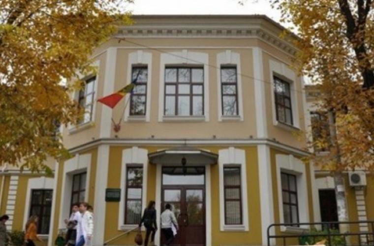 USMF impune reguli mai stricte pentru studenții străini