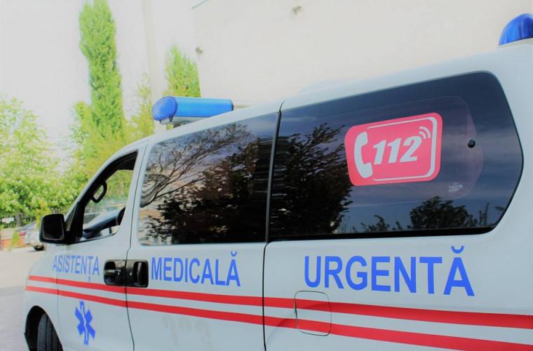 Două femei au născut în ambulanță, în drum spre spital. Starea pacientelor
