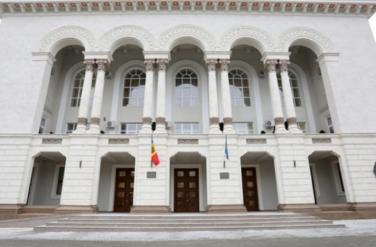 Prim-ministrul poate crea o comisie de evaluare pentru retragerea procurorului general