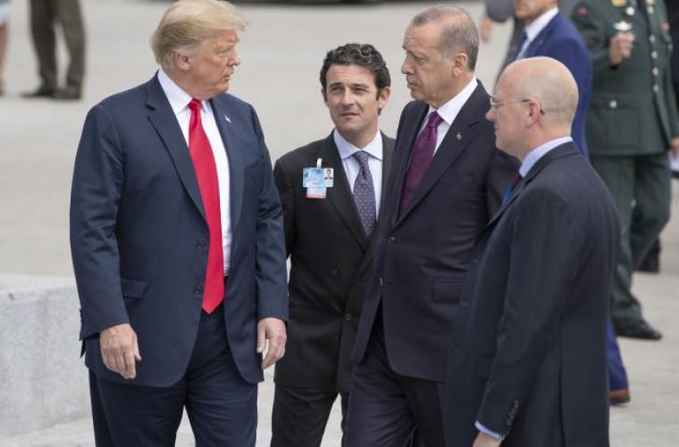 Erdogan îi acuză pe americani că nu şi-au îndeplinit angajamentele privind retragerea kurzilor din Siria