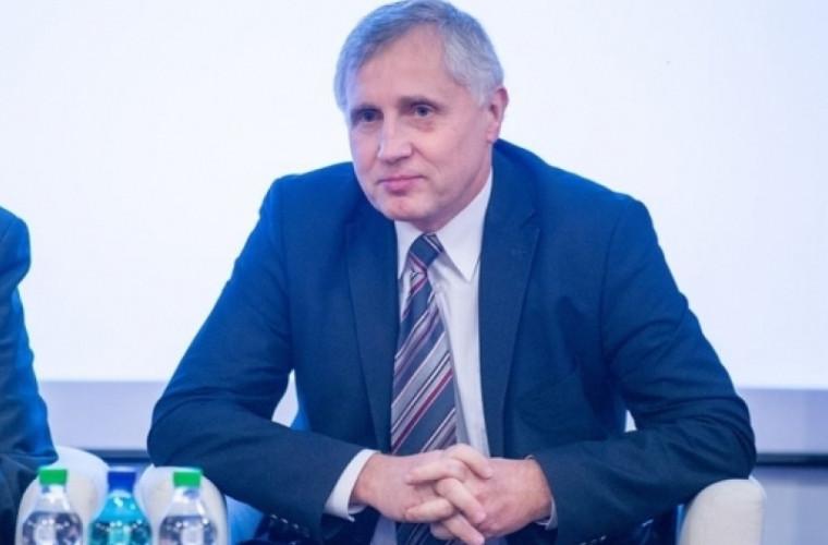 Cine a devenit consilier al prim-ministrului în domeniul dreptului