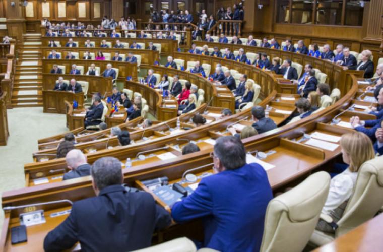Declarație: Unor deputați PDM li s-ar fi propus cîte 350 de mii de euro pentru a părăsi partidul
