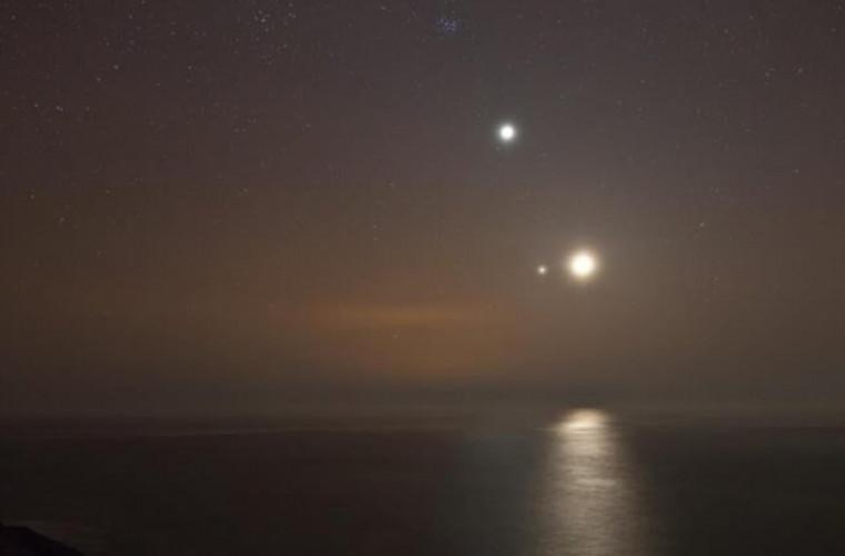 Fiți cu ochii pe cer! Un fenomen astronomic rar va putea fi urmărit și în Moldova