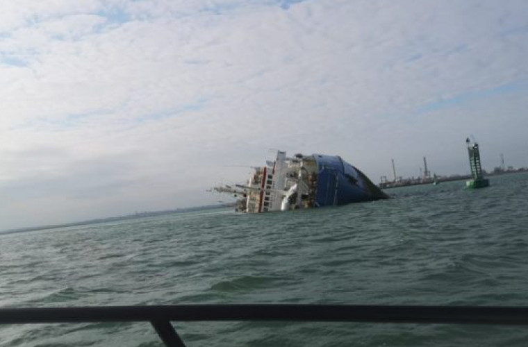 În Marea Neagră s-a răsturnat o navă cu peste 14.000 de oi