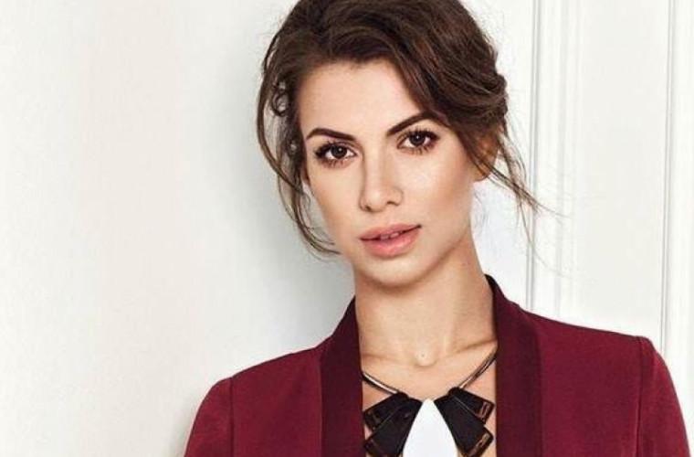 """Moldoveanca Olga Blanc a primit titlul de """"Designera Anului"""" în Rusia (VIDEO)"""