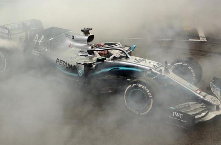 Final de sezon de Formula 1! Cine a cîştigat cursa din Abu Dhabi