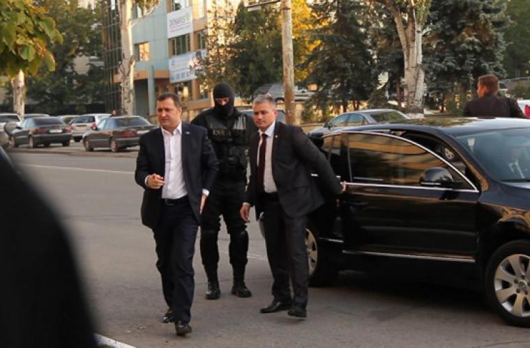 Imagini cu prima vizită a lui Filat, după ce a fost eliberat din închisoare
