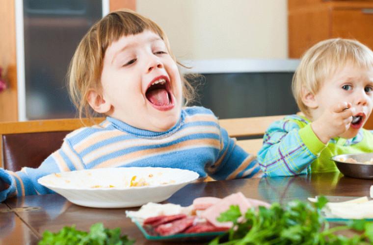 Top 7 alimente care nu-s sănătoase pentru copil