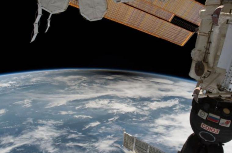 Космическое агентство отправит робота для уборки мусора с орбиты Земли