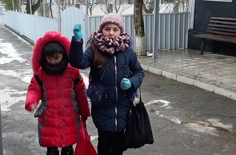 Tradiţie respectată în Moldova şi în 2020: Au pornit dis-de-dimineață (VIDEO)