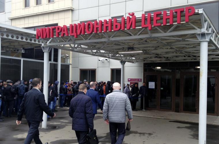muncitorii-migranti-din-moldova-vor-trebui-sa-plateasca-mai-mult-pentru-brevet-in-moscova
