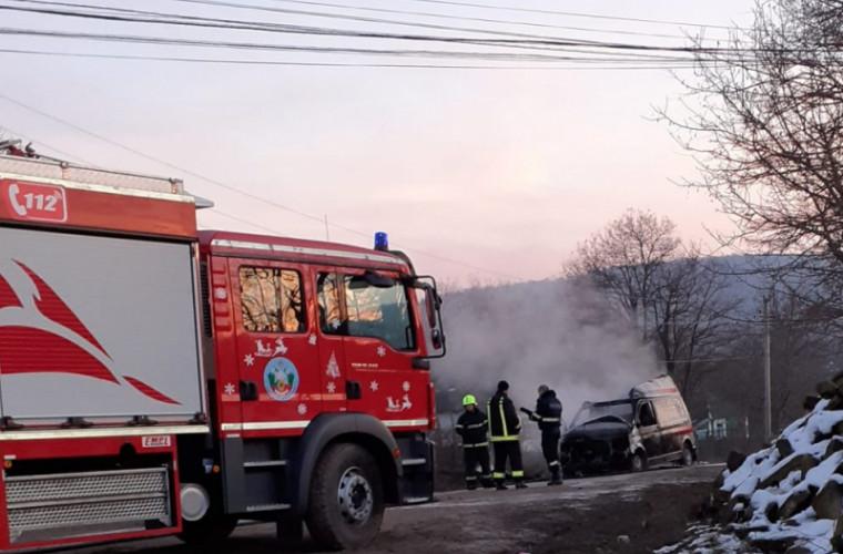 O ambulanță a ars la Soroca