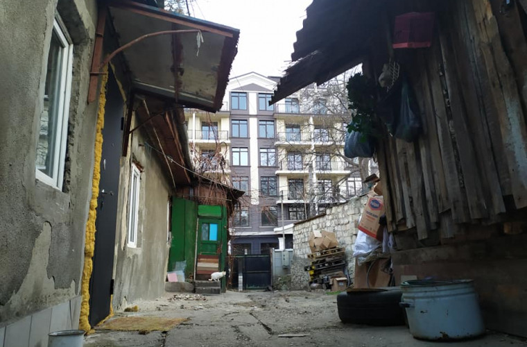 """""""Favelele"""" din Chișinău. Centrul istoric al capitalei, așa cum nu l-ai mai văzut (FOTO)"""