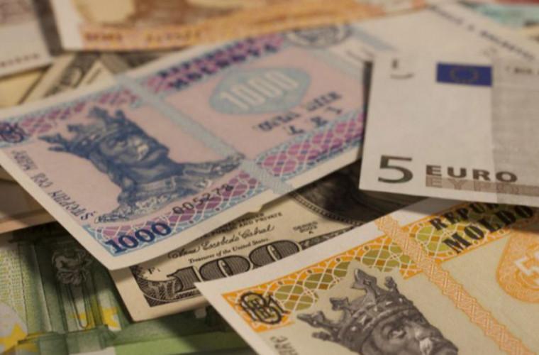 Record pe piaţa valutară din Moldova. Expert: Din 2015 nu a mai fost aşa ceva (VIDEO)