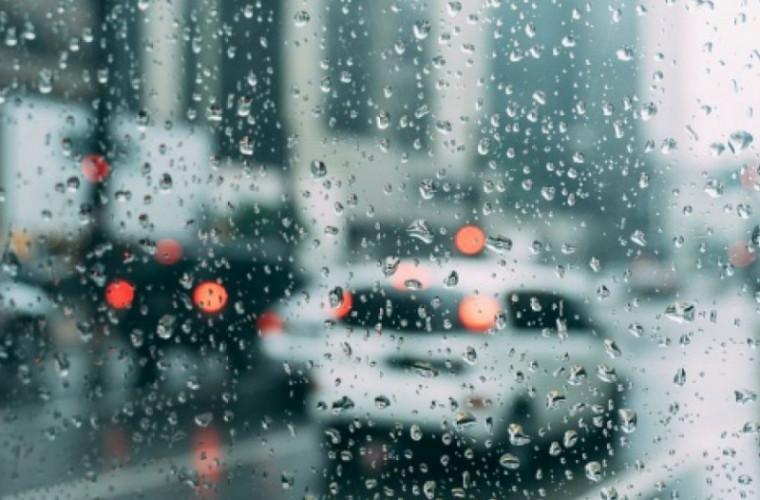 Meteo: Pe alocuri va ploua și maxime de +13 grade