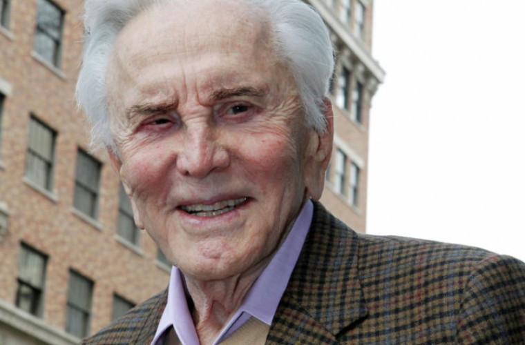 Legendarul actor de la Hollywood, Kirk Douglas, a murit la vîrsta de 103 ani