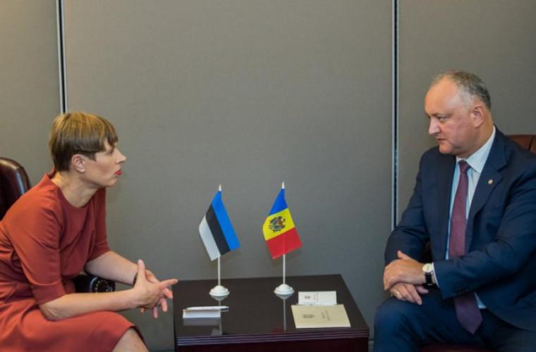 dodon-a-felicitat-o-pe-kersti-kaljulaid-cu-prilejul-zilei-independentei-estoniei