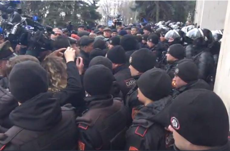 update-protestul-participantilor-la-conflictul-armat-de-pe-nistru-sprijiniti-de-unionisti-foto