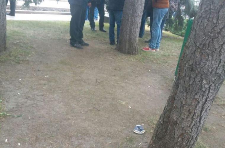 participantii-la-protestul-din-centrul-chisinaului-au-fost-vazuti-consumind-bauturi-alcoolice