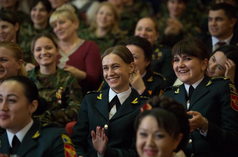 zinaida-greceanii-a-felicitat-femeile-din-cadrul-armatei-nationale