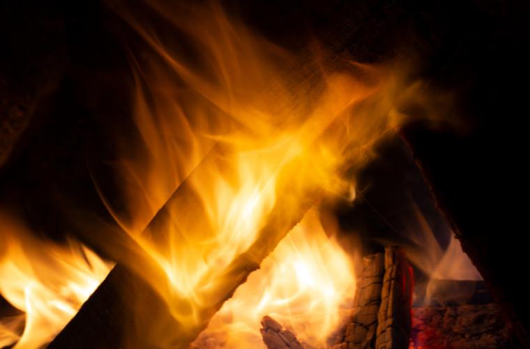 noua-baterie-cu-litiu-ion-functioneaza-chiar-si-atunci-cind-arde