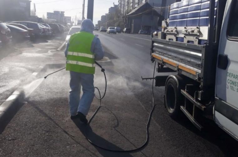 Primăria Chișinău, zilnic, dezinfectează străzile capitalei (VIDEO)