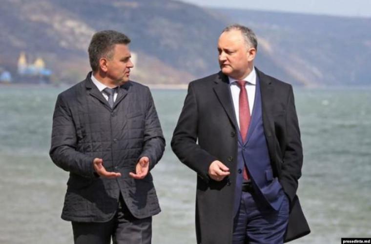 Igor Dodon l-a felicitat pe liderului separatist de la Tiraspol