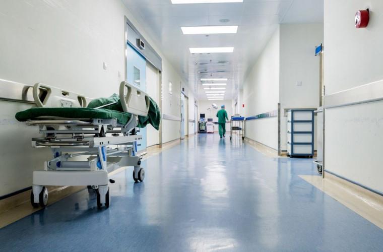 Încă un deces provocat de coronavirus în Moldova