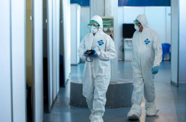 Peste 700 medici din Moldova au fost testați pozitiv cu COVID-19