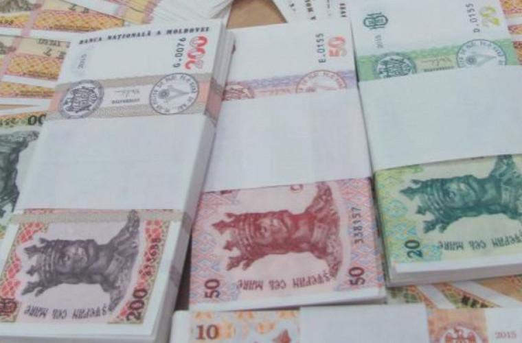 Ce cred moldovenii despre ajutorul financiar medicilor și angajaților statului, care luptă cu COVID-19