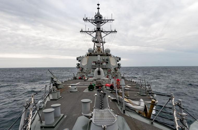 O întorsătură neașteptată în conflictul SUA-China: O navă de război americană a trecut prin Strâmtoarea Taiwan