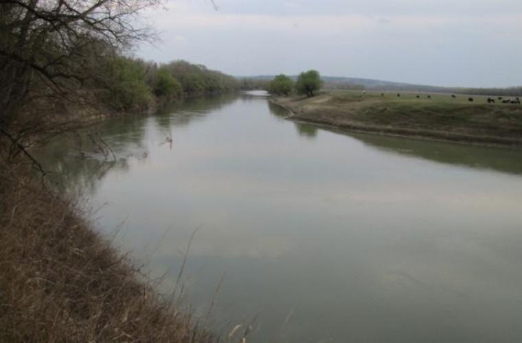 nivelul-apei-din-riul-prut-a-scazut-de-doua-ori