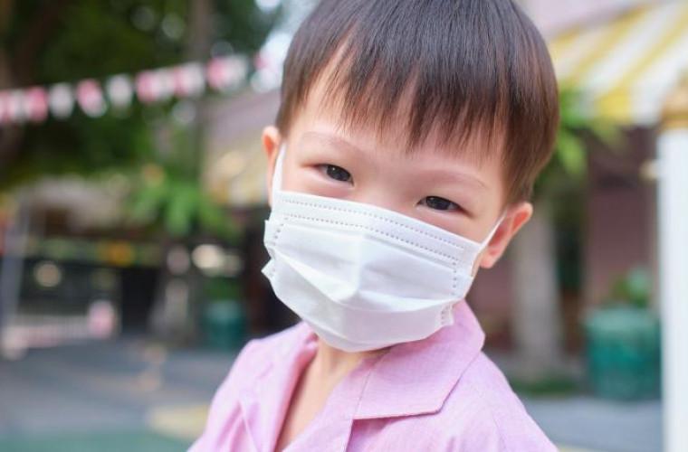 cum-sint-dezinfectati-copiii-chinezi-cind-intra-in-scoala-video