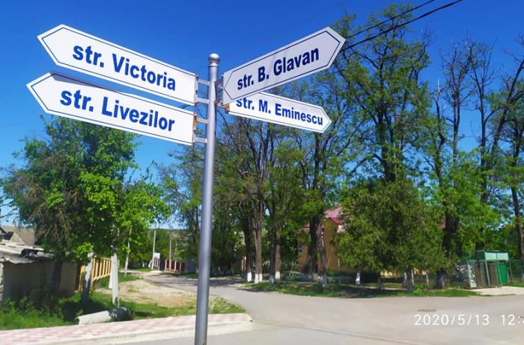 Primele indicatoare de informare în satele Moldovei (FOTO)