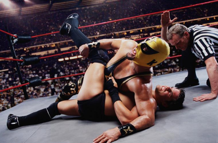 un-cunoscut-luptator-de-wrestling-a-disparut-in-timp-ce-inota