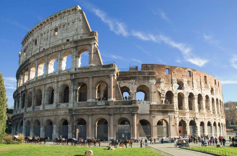 in-prima-zi-a-verii-se-redeschide-colosseumul-din-roma