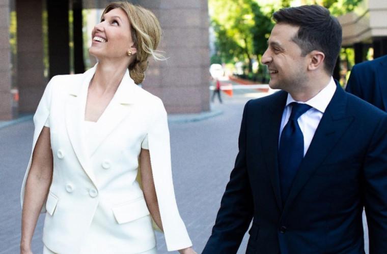 Zelenski îşi limitează activităţile oficiale după ce soţia sa a fost infectată cu coronavirus