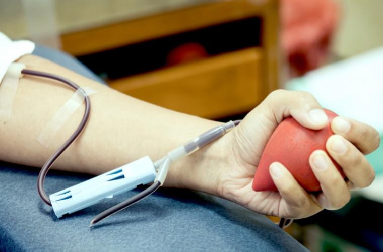 În 11 ani a donat peste 25 de litri de sînge: Povestea unui antrenor din capitală