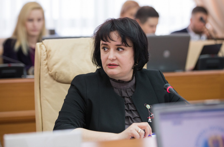 A fost depusă o moțiune simplă împotriva ministrului Viorica Dumbrăveanu